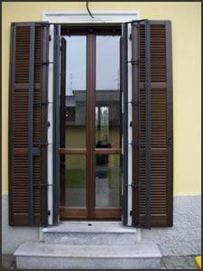 Gnc srl progettazione e realizzazione su misura in ferro - Grate alle finestre ...